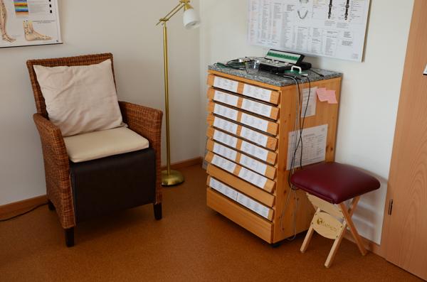 Praxis Sessel und Kommode